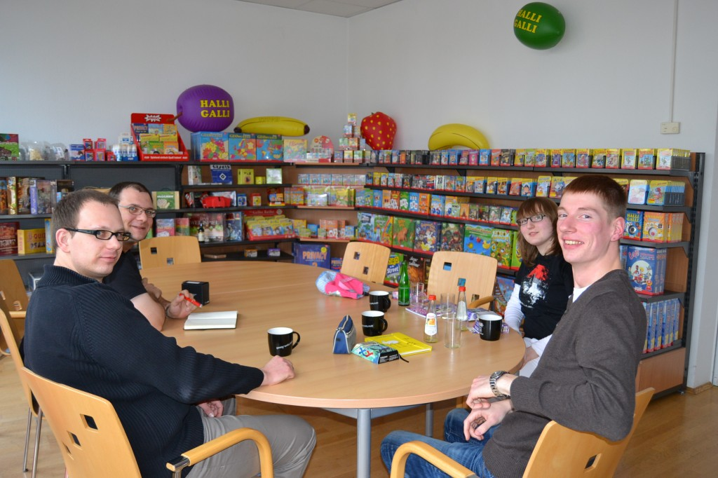 Von links nach rechts: Sebastian, Thorsten, unser Basti und Cassy